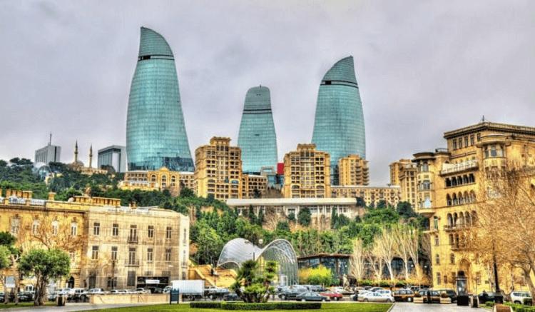 Azerbaycan vizesiz gidilen ülkeler arasında yer alıyor.