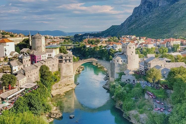 Bosna Hersek  -(Mostar Köprüsü) - Vizesiz Gidilen ülkeler arasında