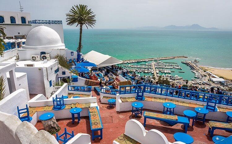 Vizesiz gidilen ülkeler arasında Tunus da yer almaktadır.
